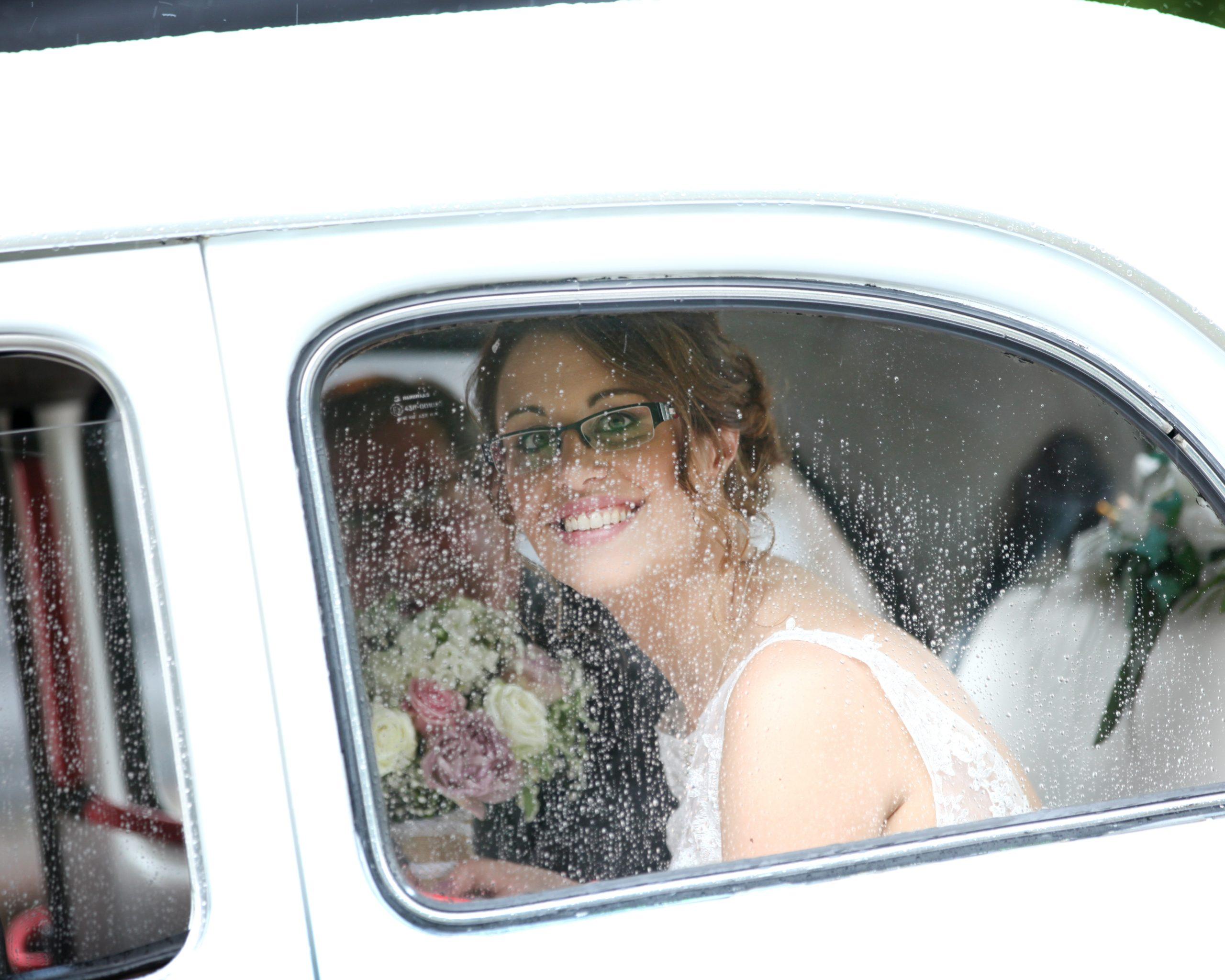 Tips for rainy weddings by esme robinson photography