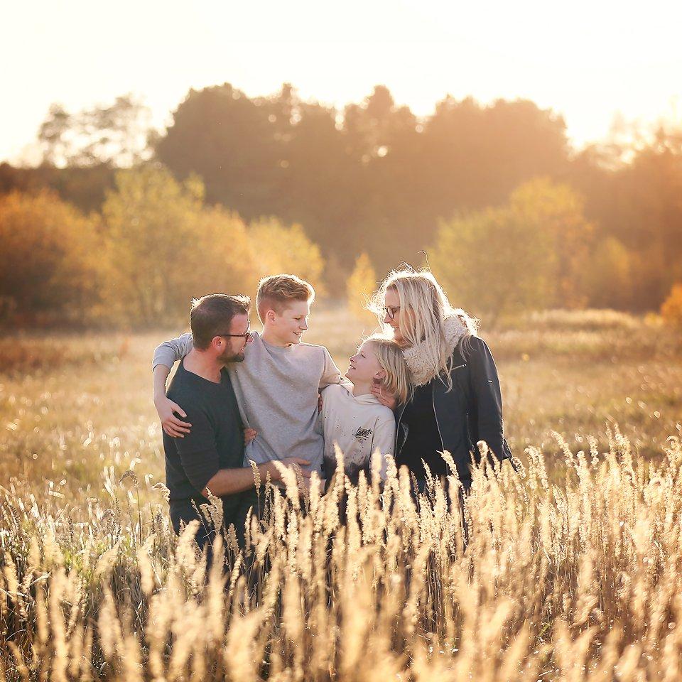 Family Autumn photo shoot location esme robinson family photography